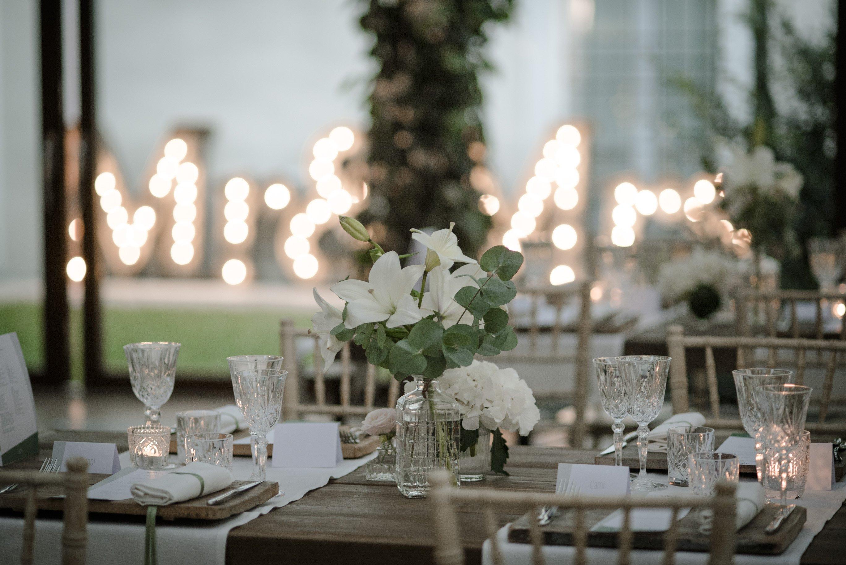 Allestimento matrimonio fiori bianchi